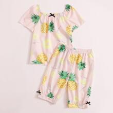 Schlafanzug Set mit quadratischem Kragen, Ananas und Streifen Muster