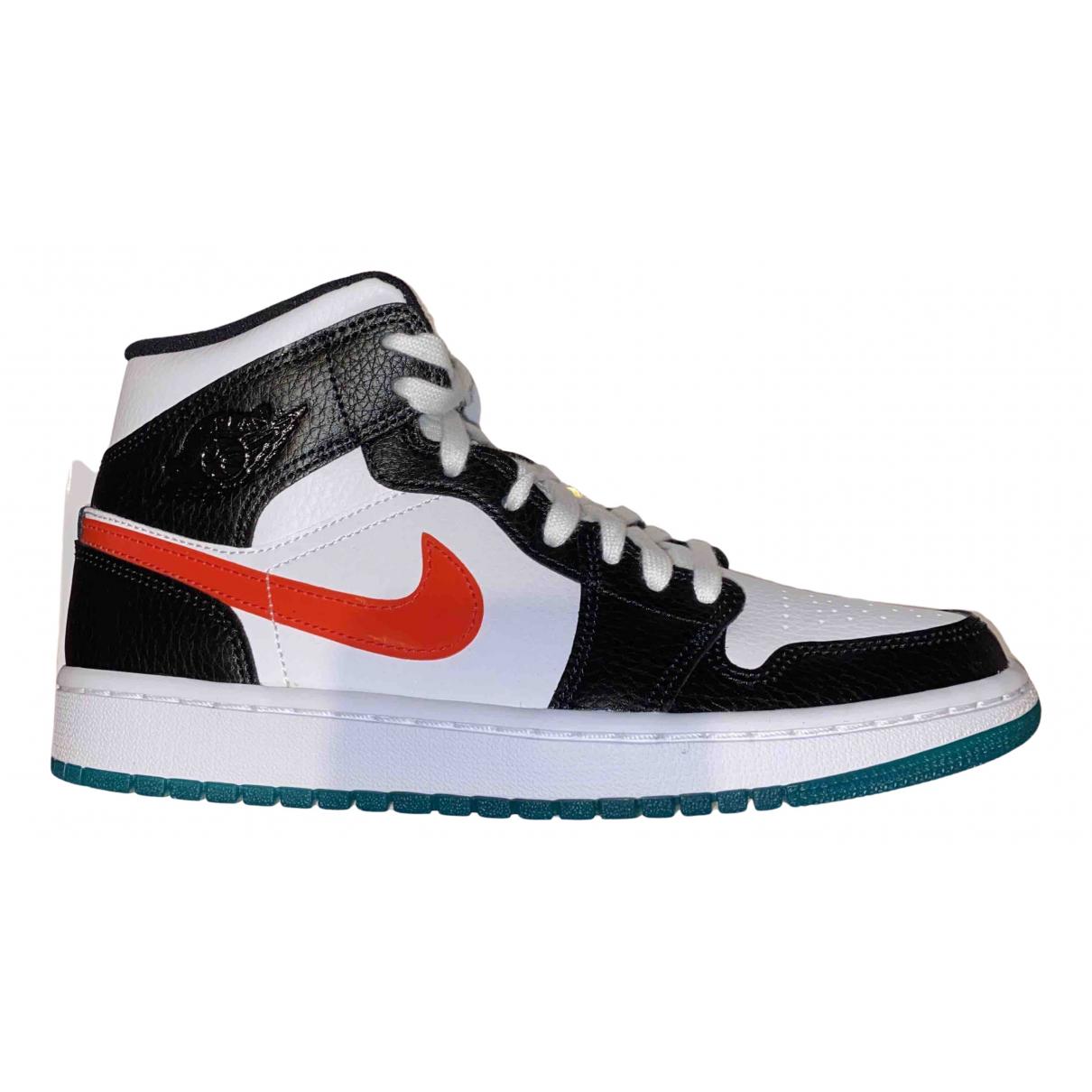 Jordan Air Jordan 1  Sneakers in  Schwarz Leder