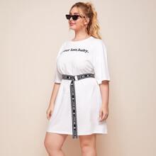 T-Shirt Kleid mit Buchstaben Grafik und Guertel