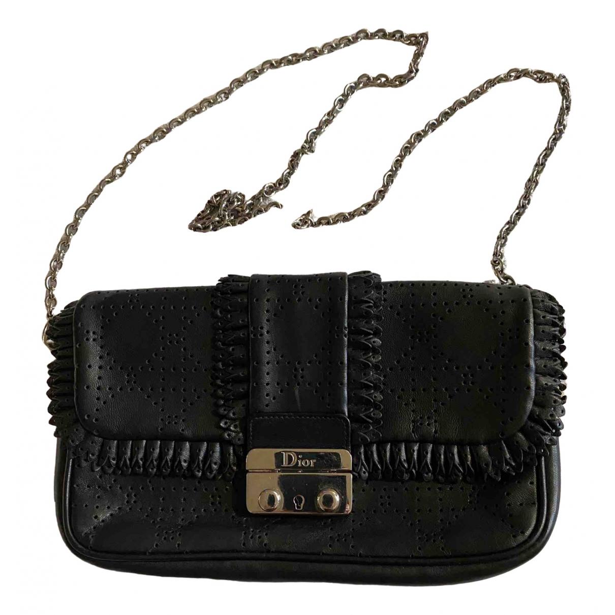 Dior New Lock  Handtasche in  Schwarz Leder