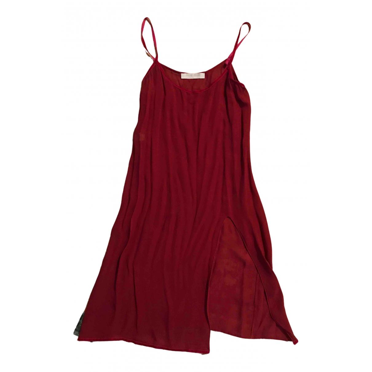 Miu Miu \N Kleid in  Bordeauxrot Viskose