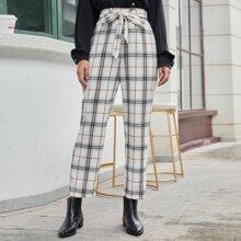 Hose mit Selbstguertel und Karo Muster