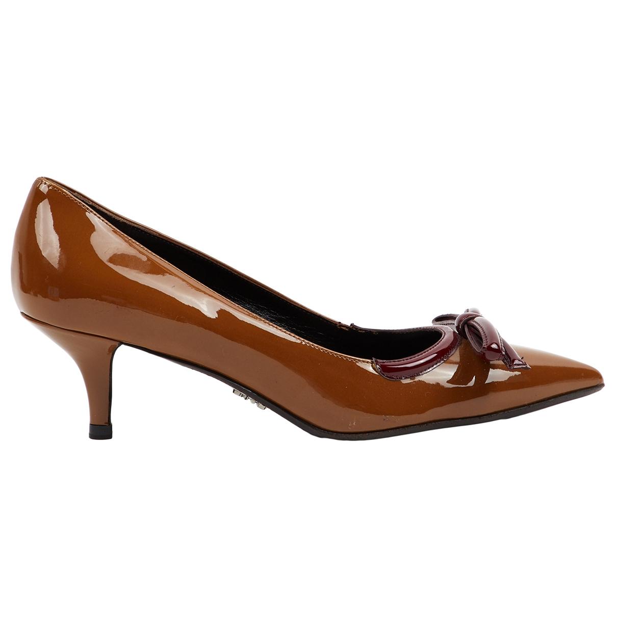 Prada - Escarpins   pour femme en cuir verni - marron