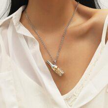 Halskette mit Schaedel Design und Weinflasche Anhaenger