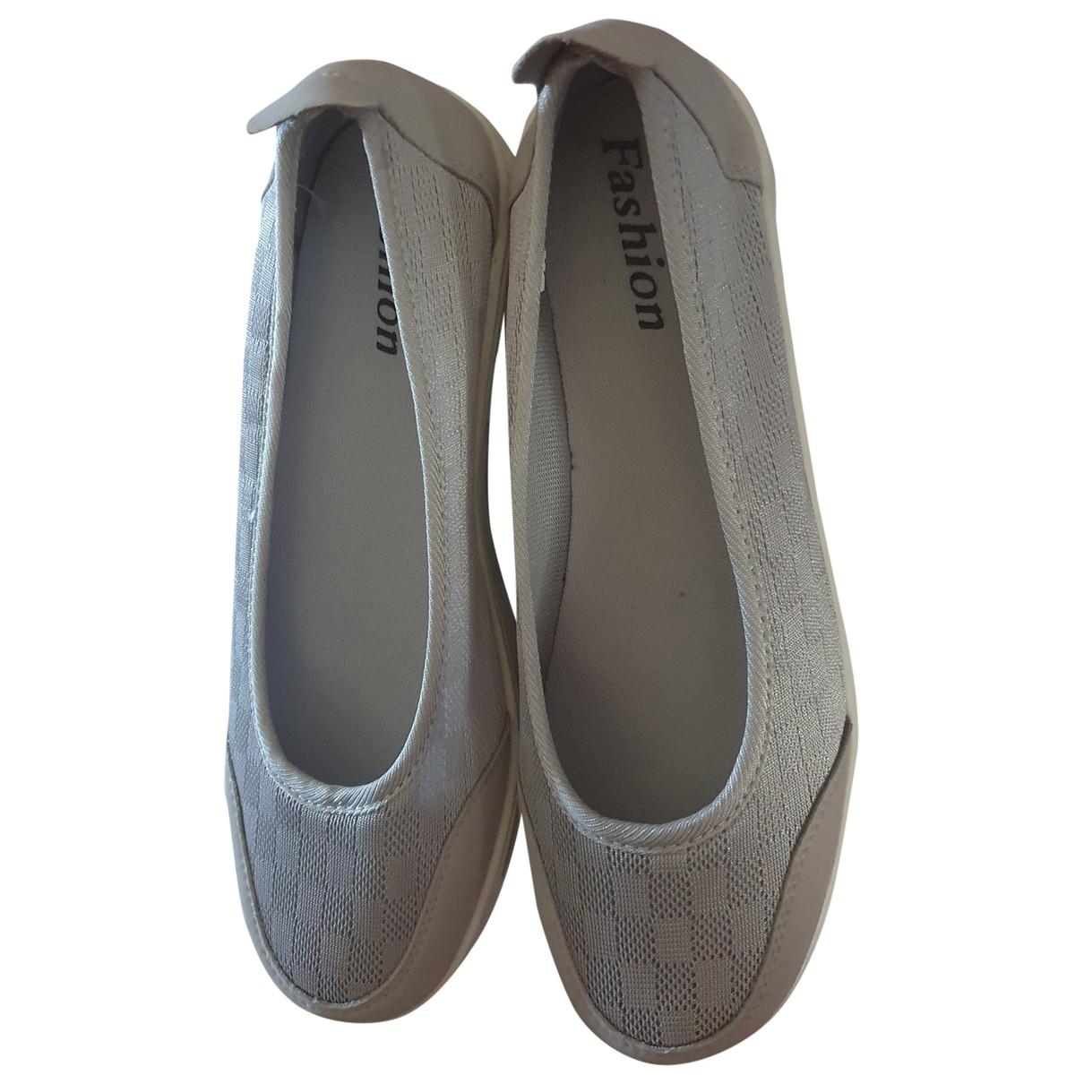 Three Floor Fashion \N Sneakers in  Silber Leinen