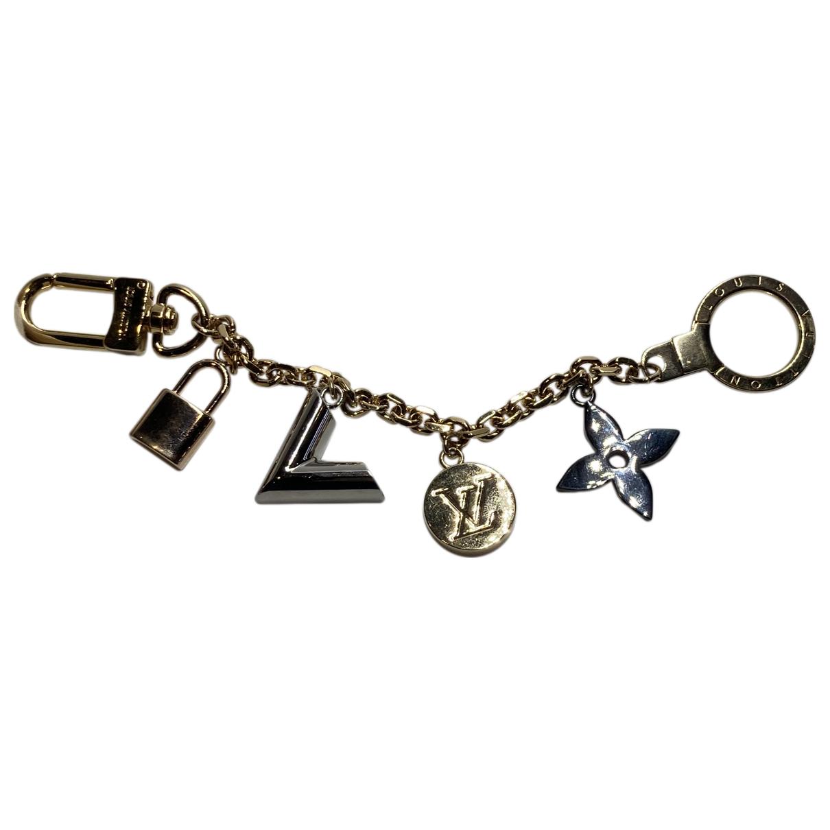 Louis Vuitton Essential V Gold Metal Bag charms for Women \N