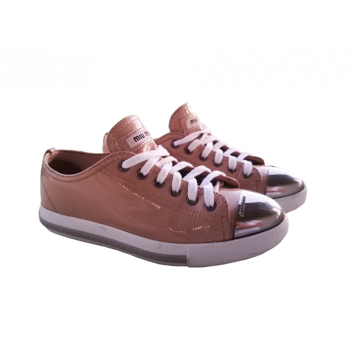 Miu Miu \N Sneakers in  Rosa Lackleder