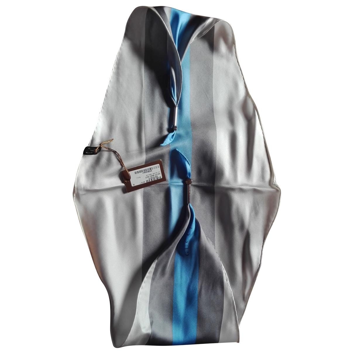 Cuello de Seda Gucci