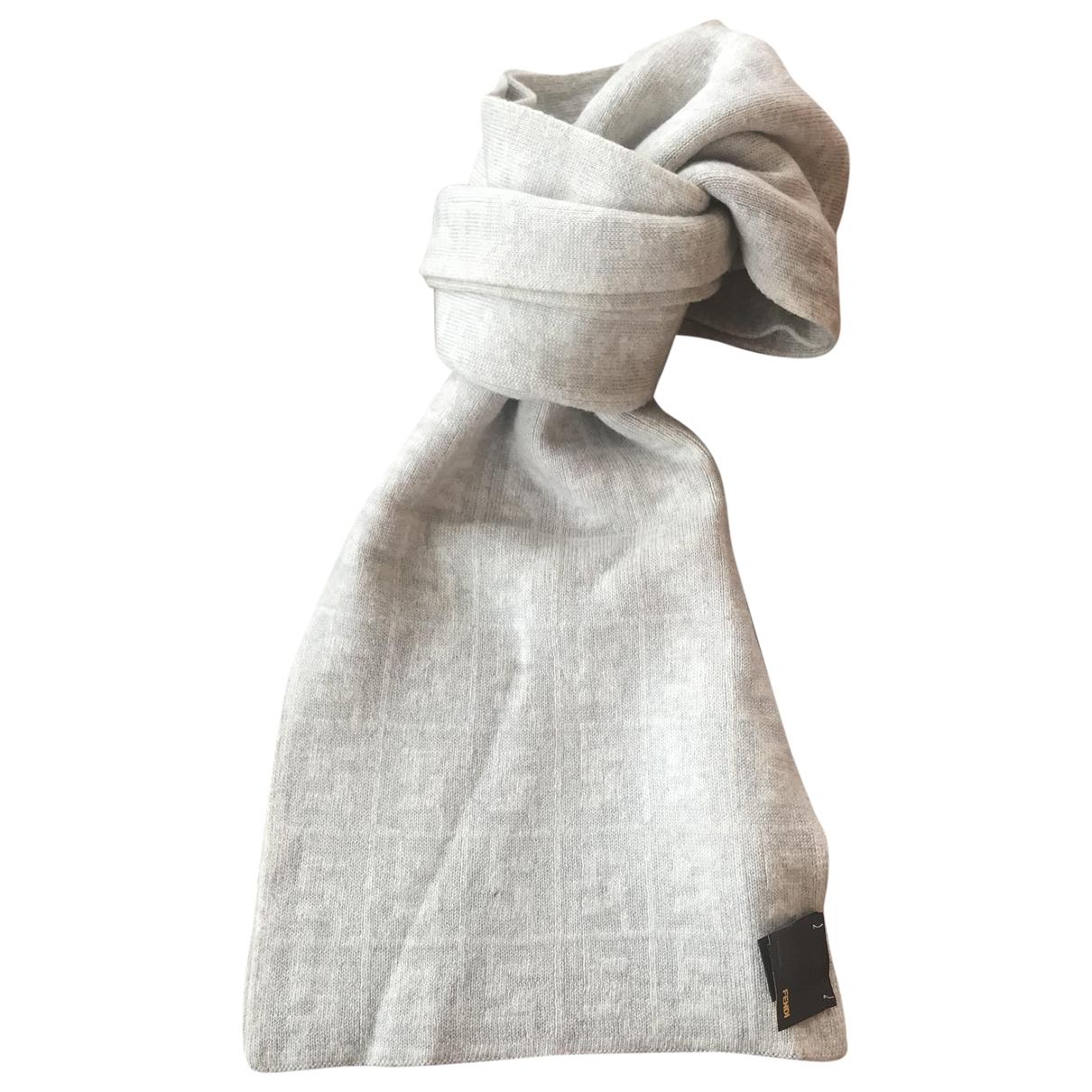 Fendi - Cheches.Echarpes   pour homme en laine - gris