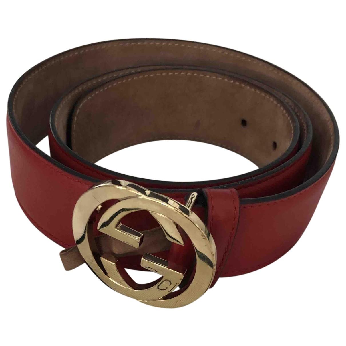 Gucci Interlocking Buckle Guertel in  Rot Leder