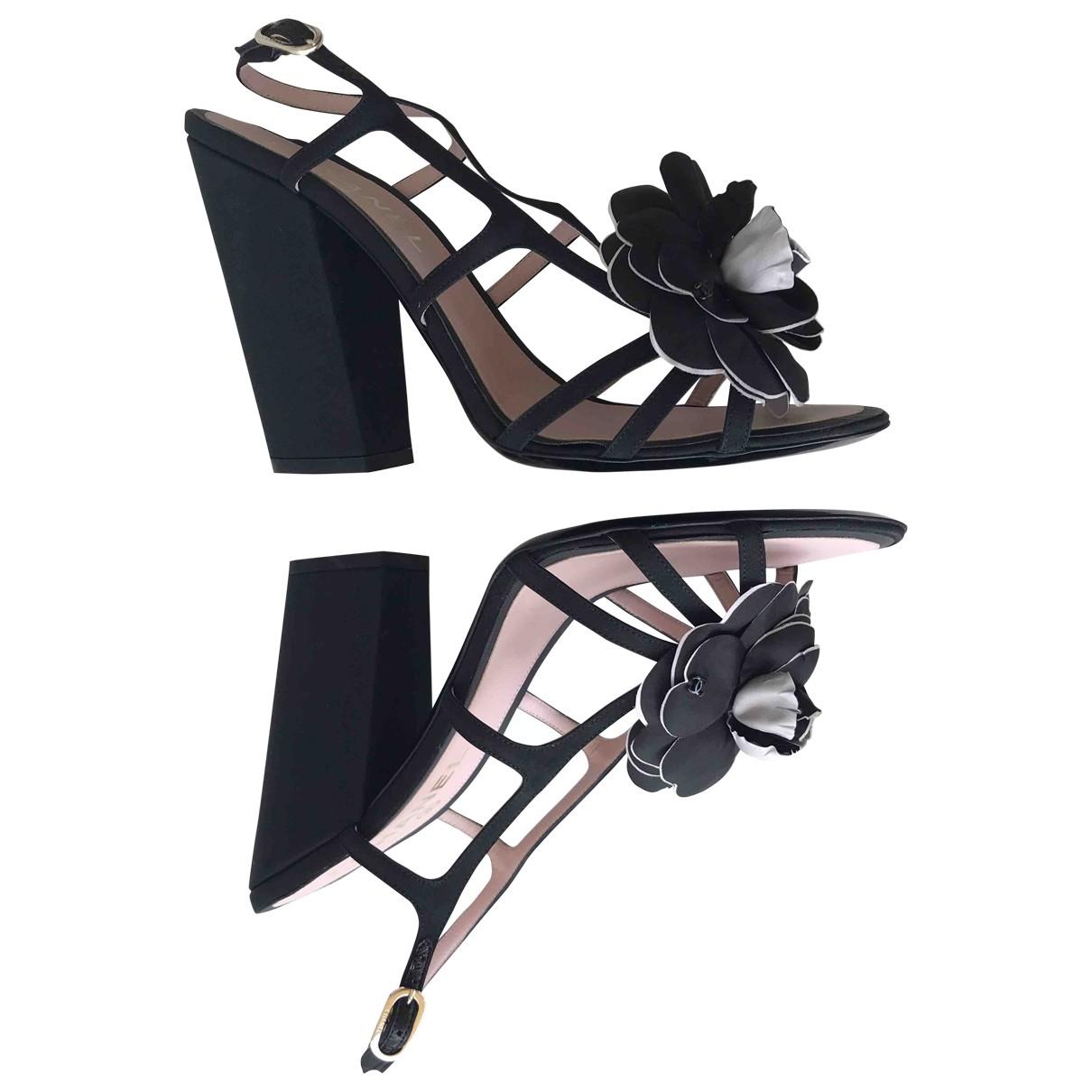 Chanel \N Black Cloth Sandals for Women 39.5 EU
