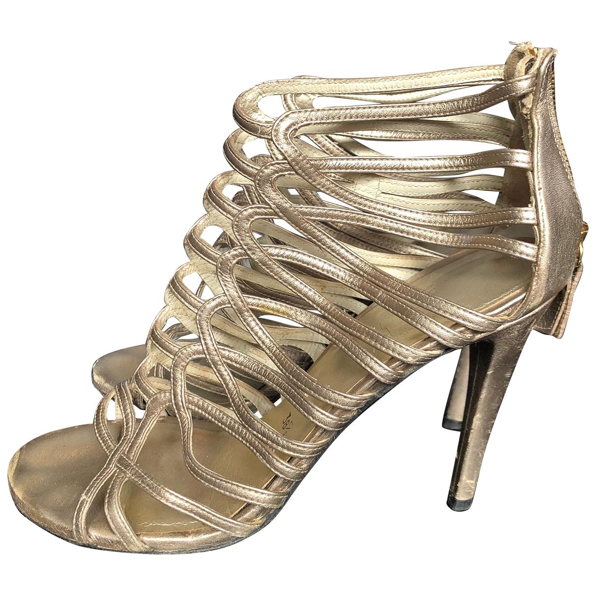 Stuart Weitzman \N Gold Leather Sandals for Women 39 EU