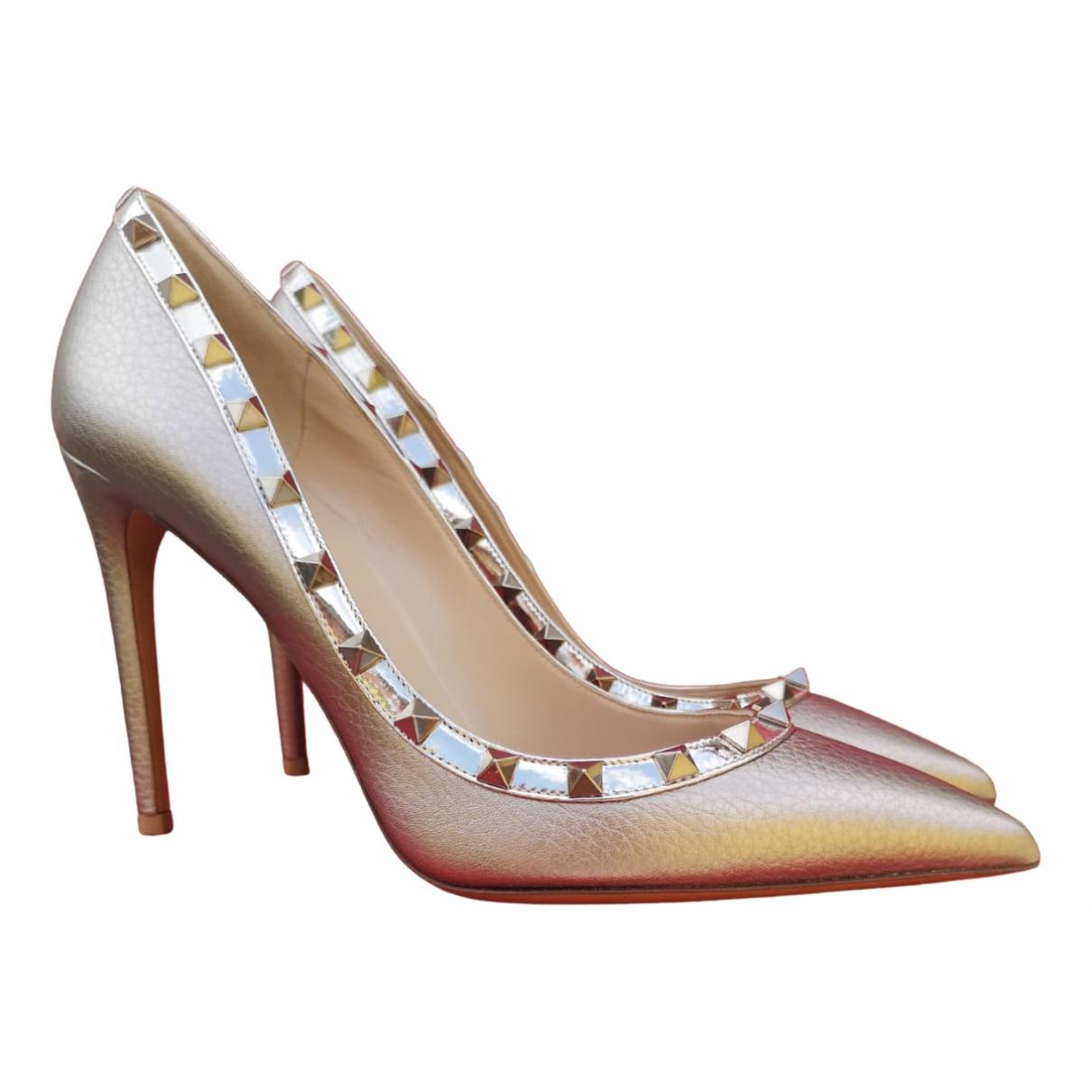 Valentino Garavani - Escarpins Rockstud pour femme en cuir - dore