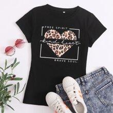 T-Shirt mit Herzen & Buchstaben Grafik