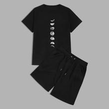 Camiseta de hombres con estampado de luna con shorts
