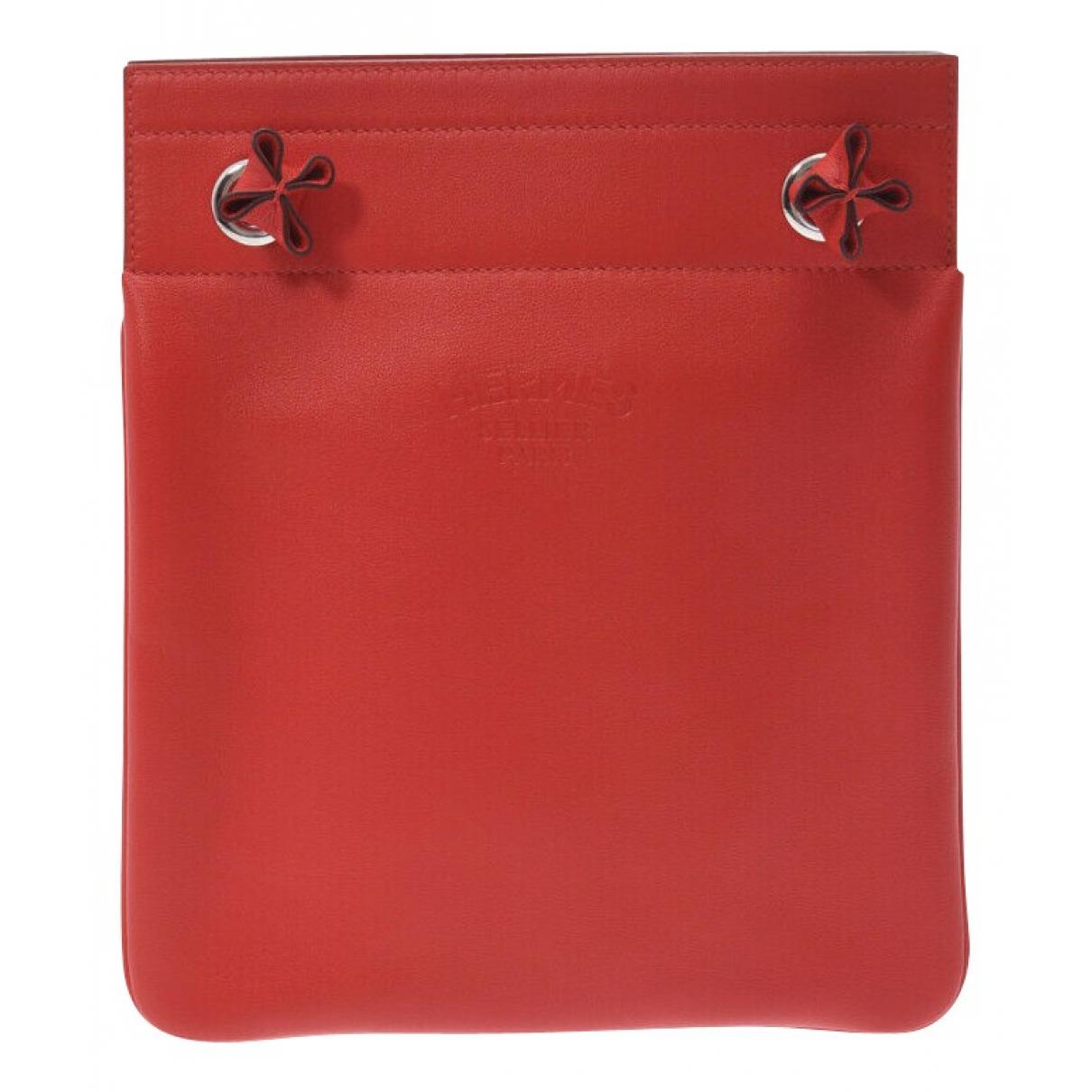 Hermès \N Red Leather handbag for Women \N