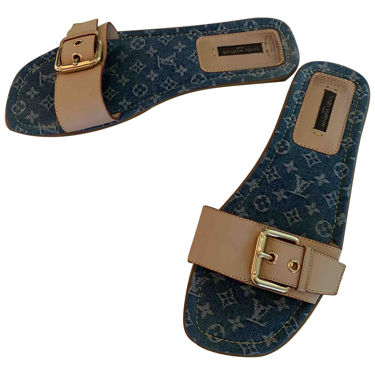 Louis Vuitton \N Sandalen in  Beige Leder