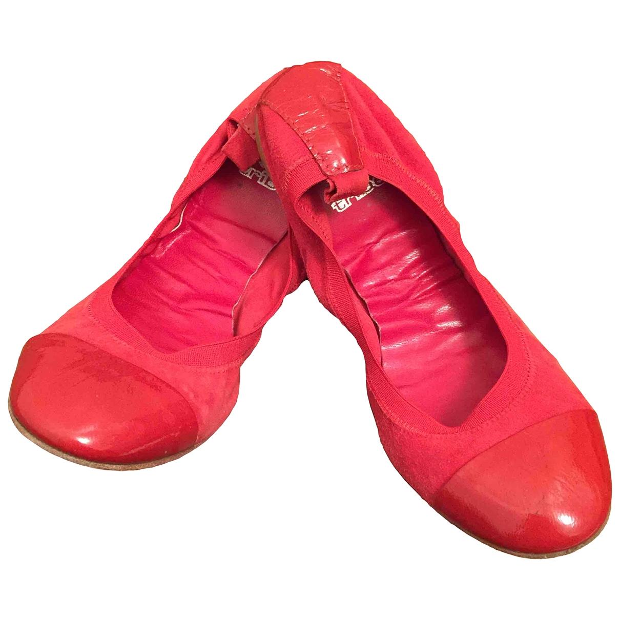 Wayuu Tribe \N Ballerinas in  Rot Leder