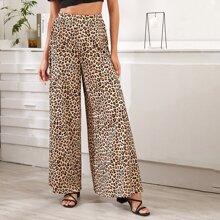 Hose mit Leopard Muster und breitem Beinschnitt