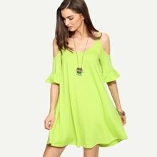 Vestido suelto de cold shoulder de volante -verde