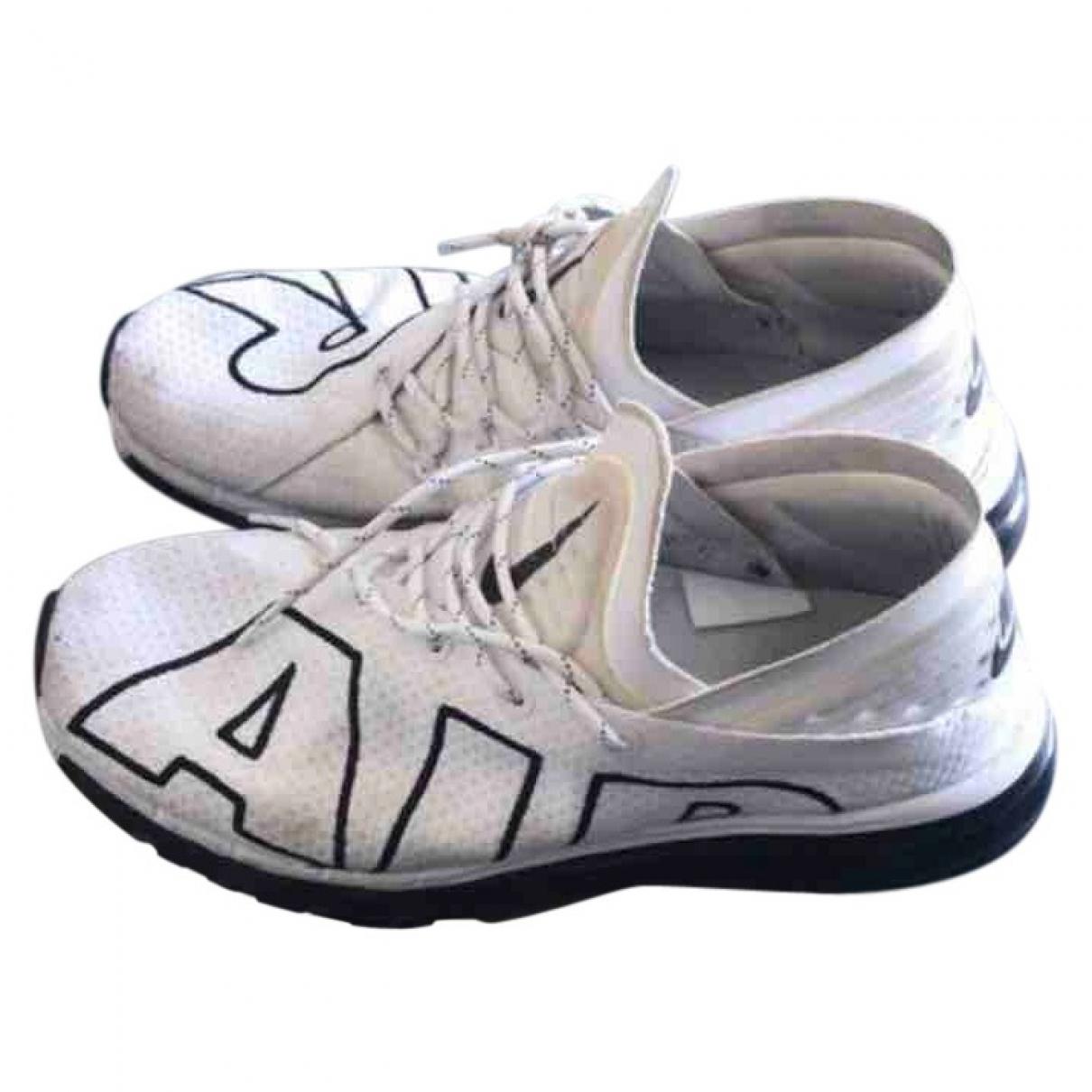 Nike Air Max  White Cloth Trainers for Men 43 EU