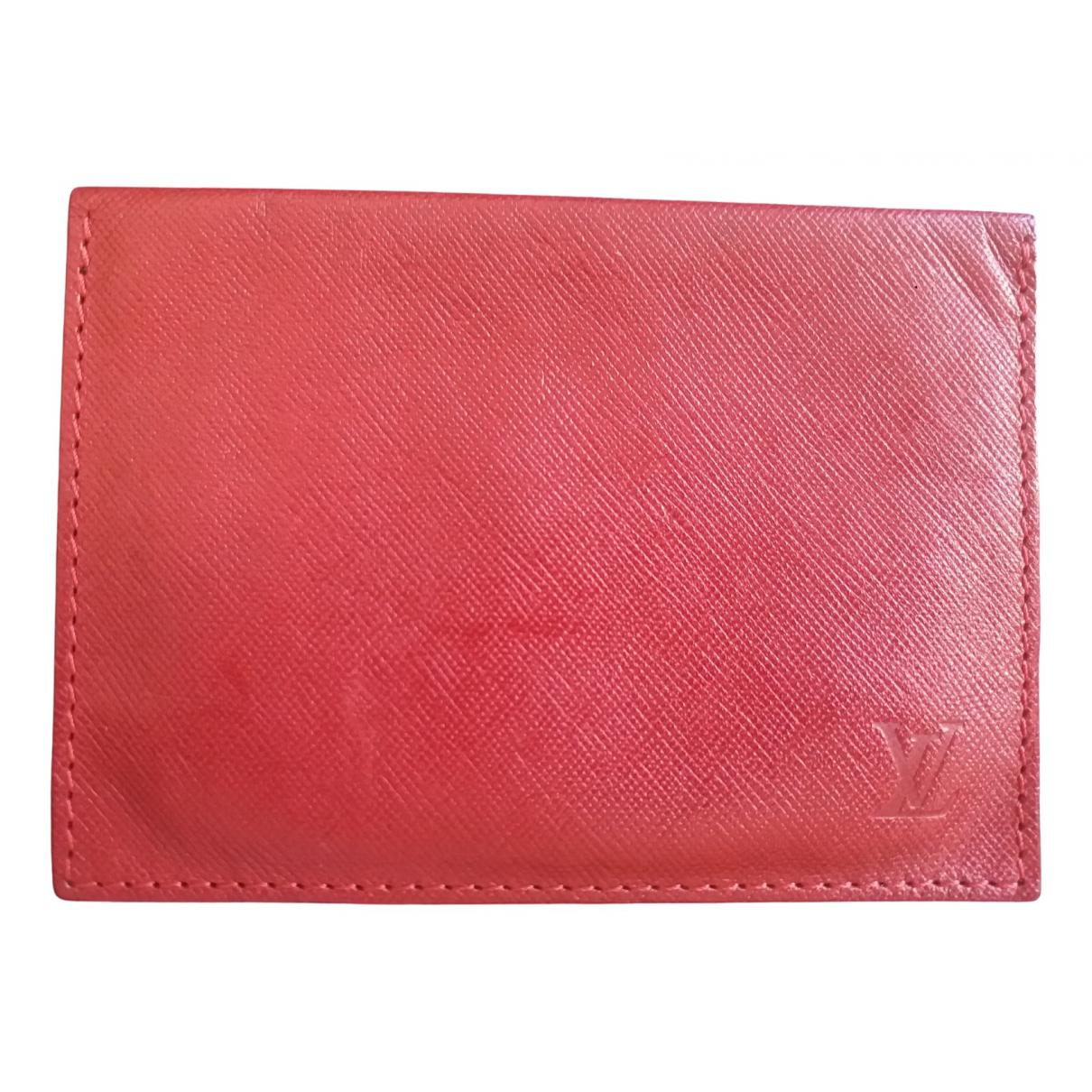 Louis Vuitton \N Kleinlederwaren in  Rot Leder