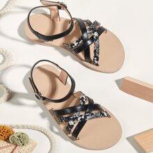 Sandalias de niñitas con tira cruzada