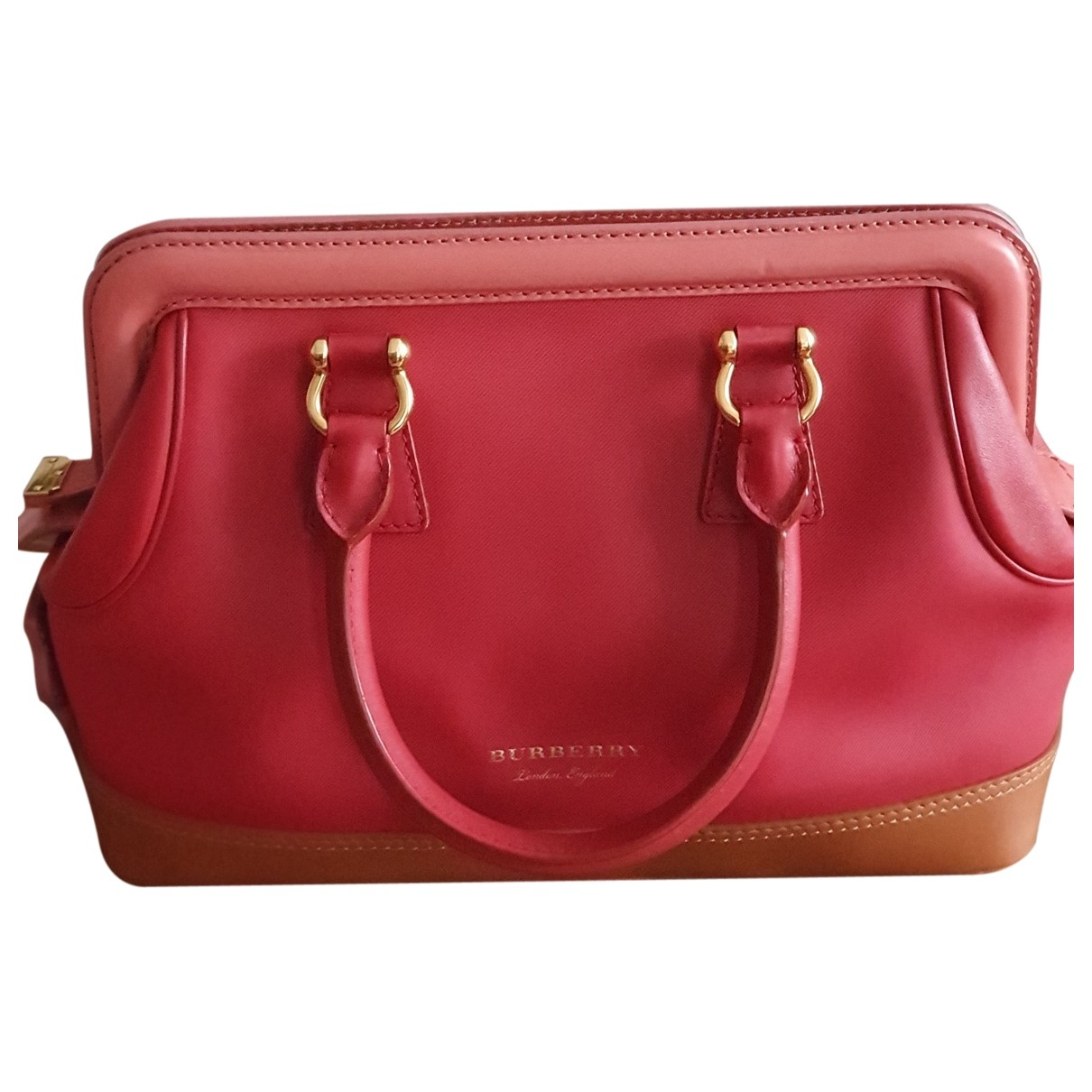 Burberry \N Red Leather handbag for Women \N
