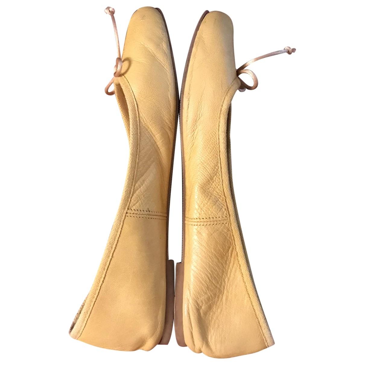 Zara \N Ballerinas in  Gelb Leder