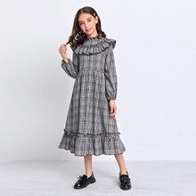 Kleid mit Rueschenbesatz und Laternenaermeln