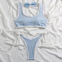 Gerippter Bikini Badeanzug mit Kontrast Bindung und seitlichem Band