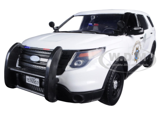 2015 Ford Interceptor Police Utility California Highway Patrol (CHP) White 1/24 Diecast Model Car by Motormax