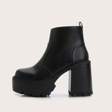 Round Toe Chunky Heeled Ankle Boots