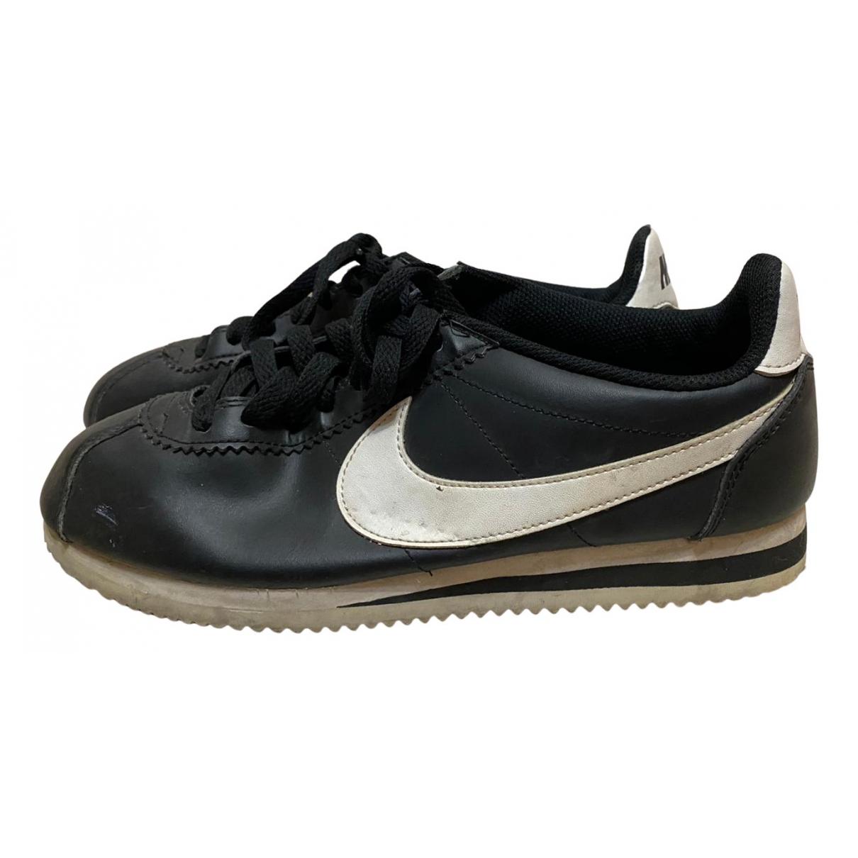 Nike Cortez Sneakers in  Schwarz Leder