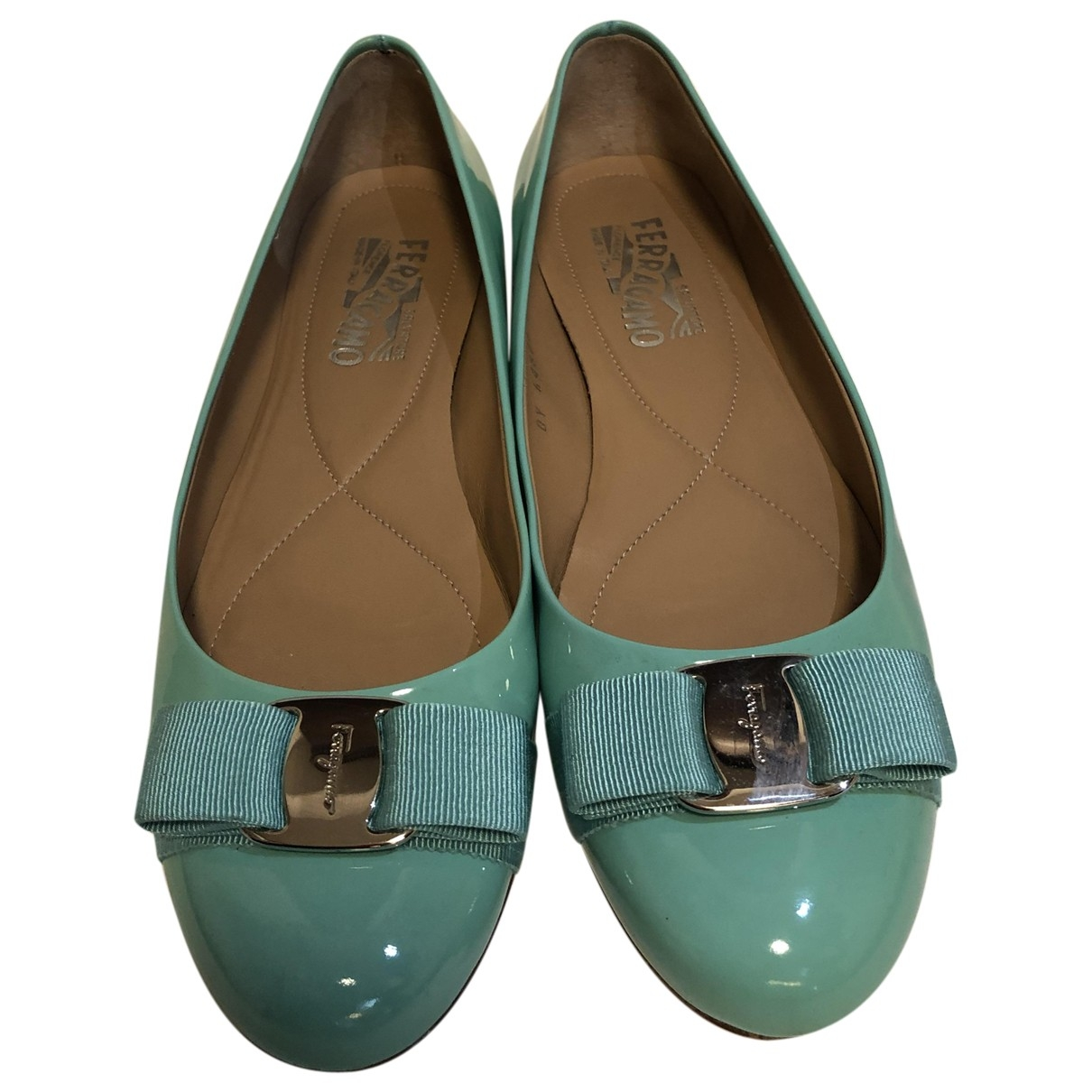 Salvatore Ferragamo \N Ballerinas in  Tuerkis Lackleder