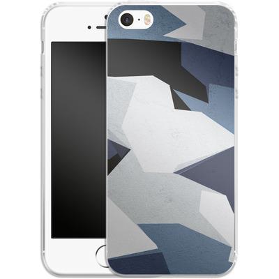 Apple iPhone 5 Silikon Handyhuelle - Geometric Camo Blue von caseable Designs