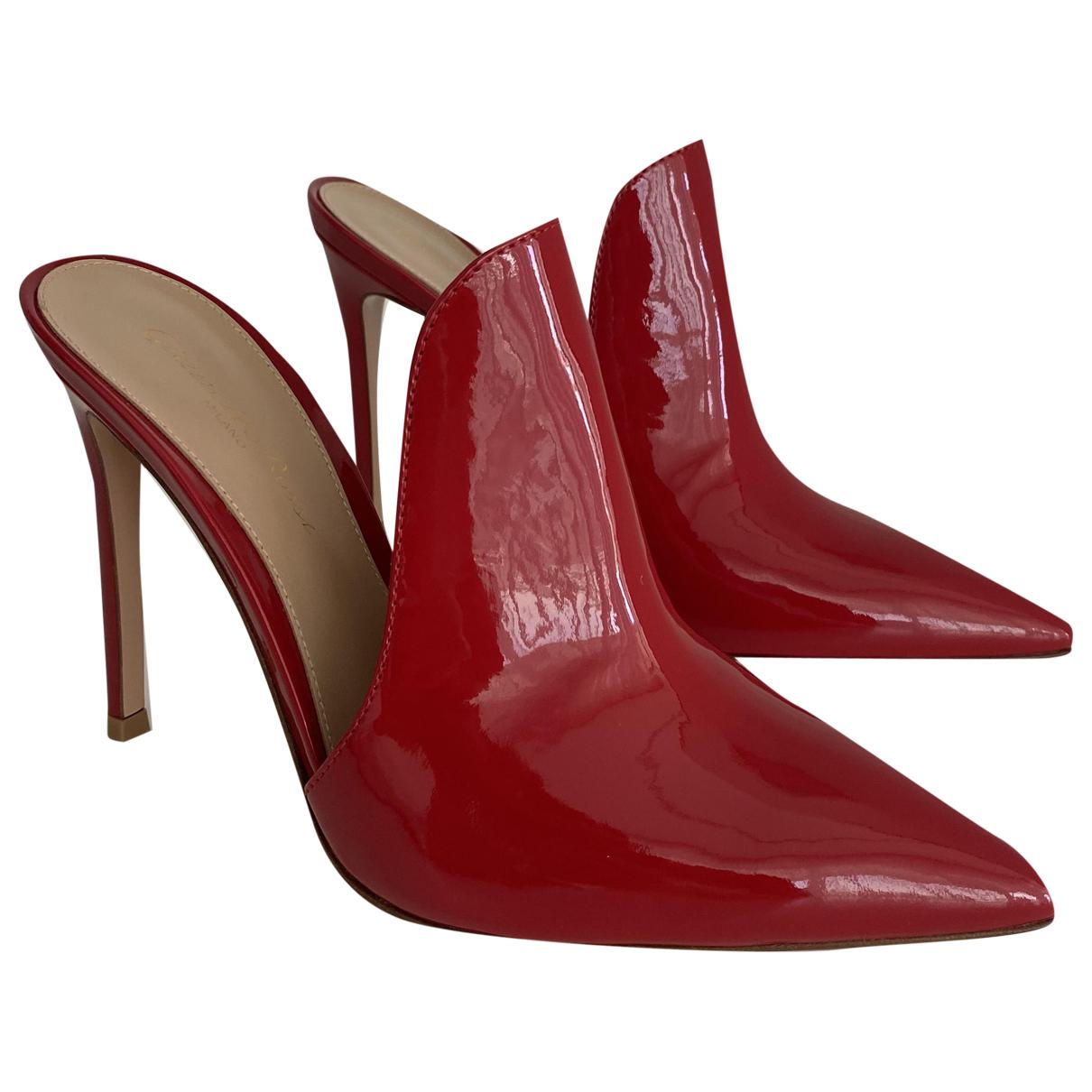 Gianvito Rossi - Sandales   pour femme en cuir verni - rouge