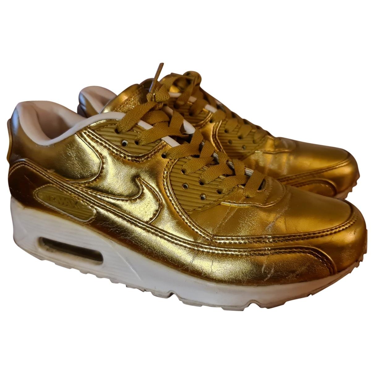 Nike Air Max 90 Sneakers in  Gold Leder