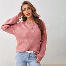 Einfarbiger Pullover mit Herzen Muster und sehr tief angesetzter Schulterpartie