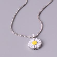 Collar de hombres con flor