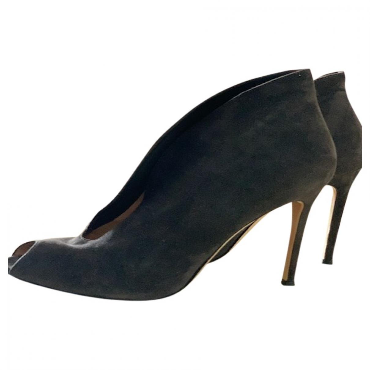 Gianvito Rossi \N Grey Suede Heels for Women 38 EU