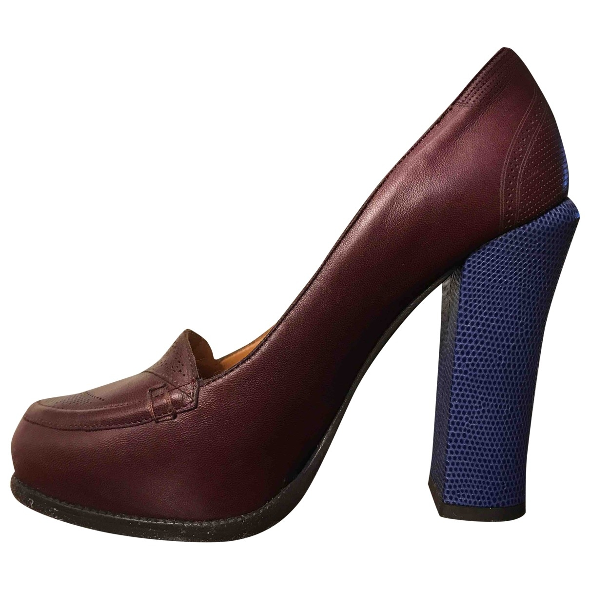 Fendi \N Pumps in  Braun Leder