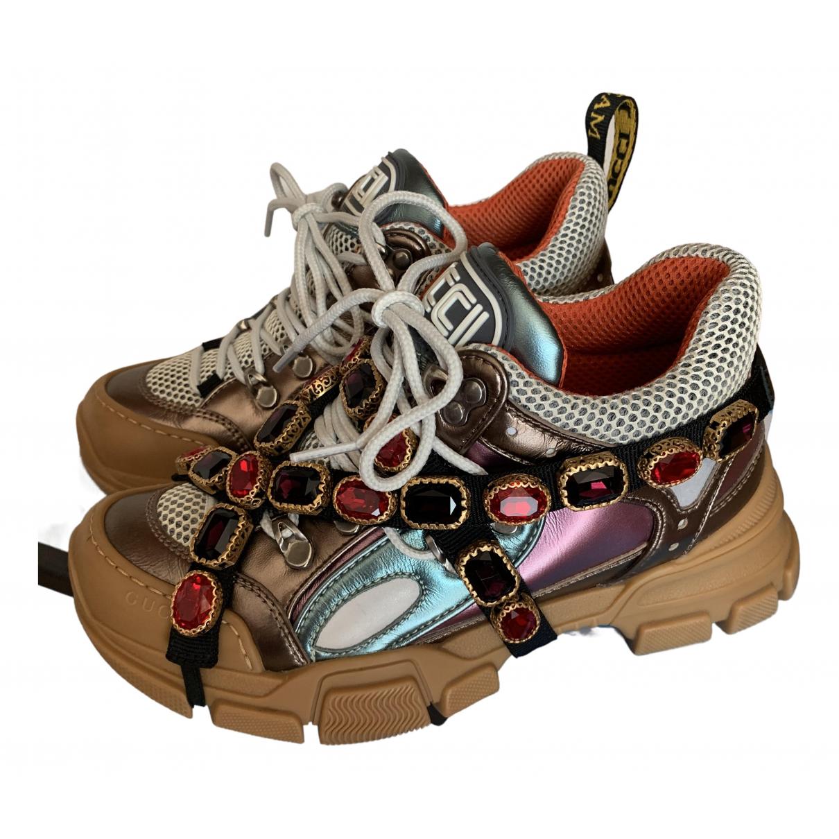 Gucci Flashtrek Sneakers in  Bunt Lackleder