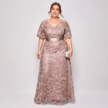 Plus Leaf Embroidery Mesh Overlay Maxi Dress