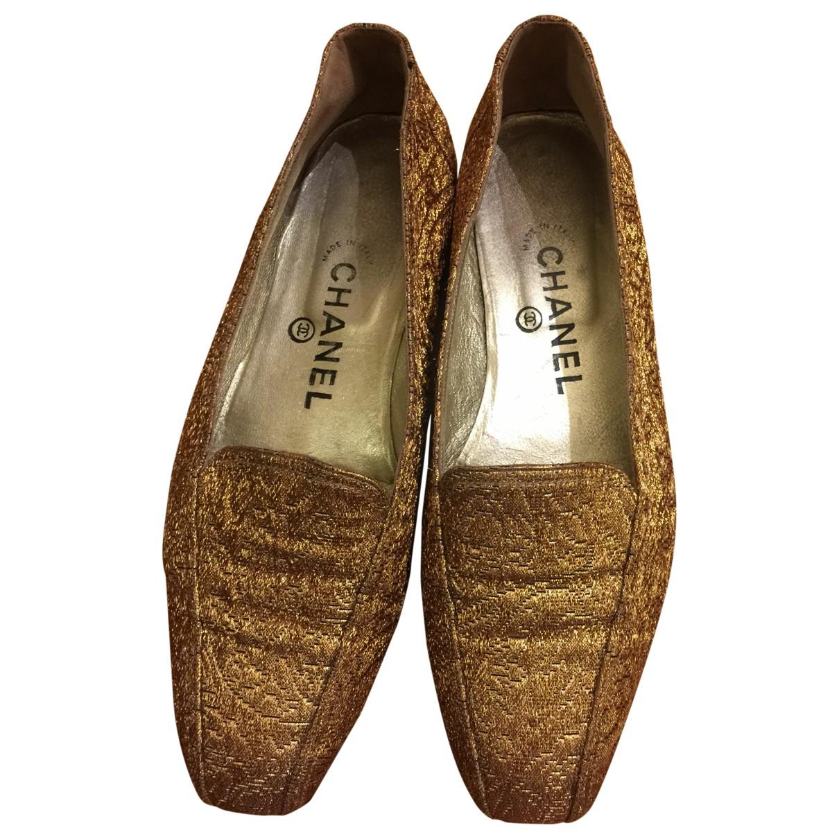 Chanel \N Mokassins in  Gold Leinen