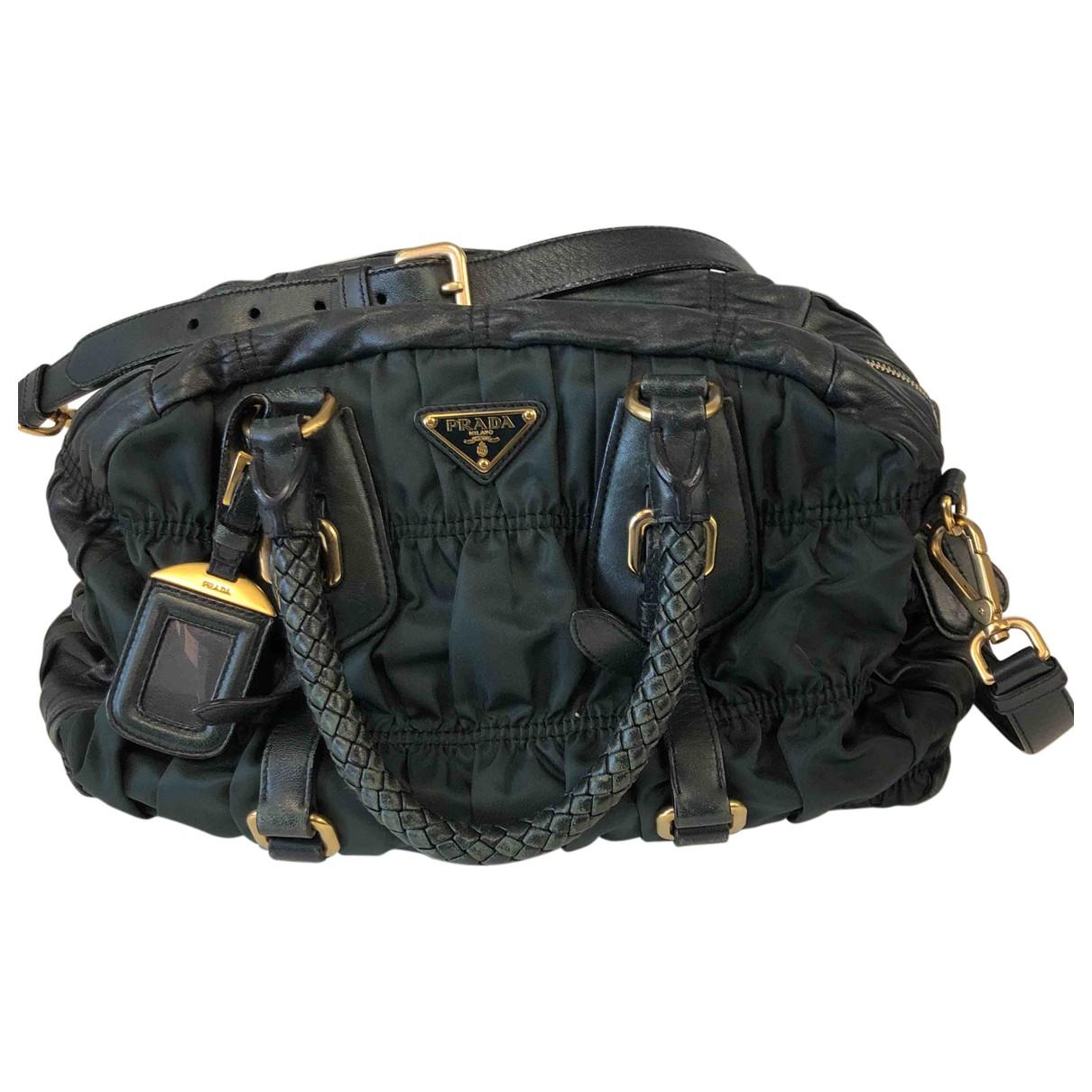 Prada \N Handtasche in  Khaki Leinen