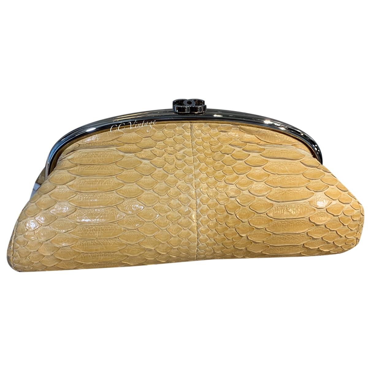 Chanel - Pochette   pour femme en python - jaune