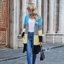 Strickjacke mit Farbblock, doppelten Taschen und offener Vorderseite