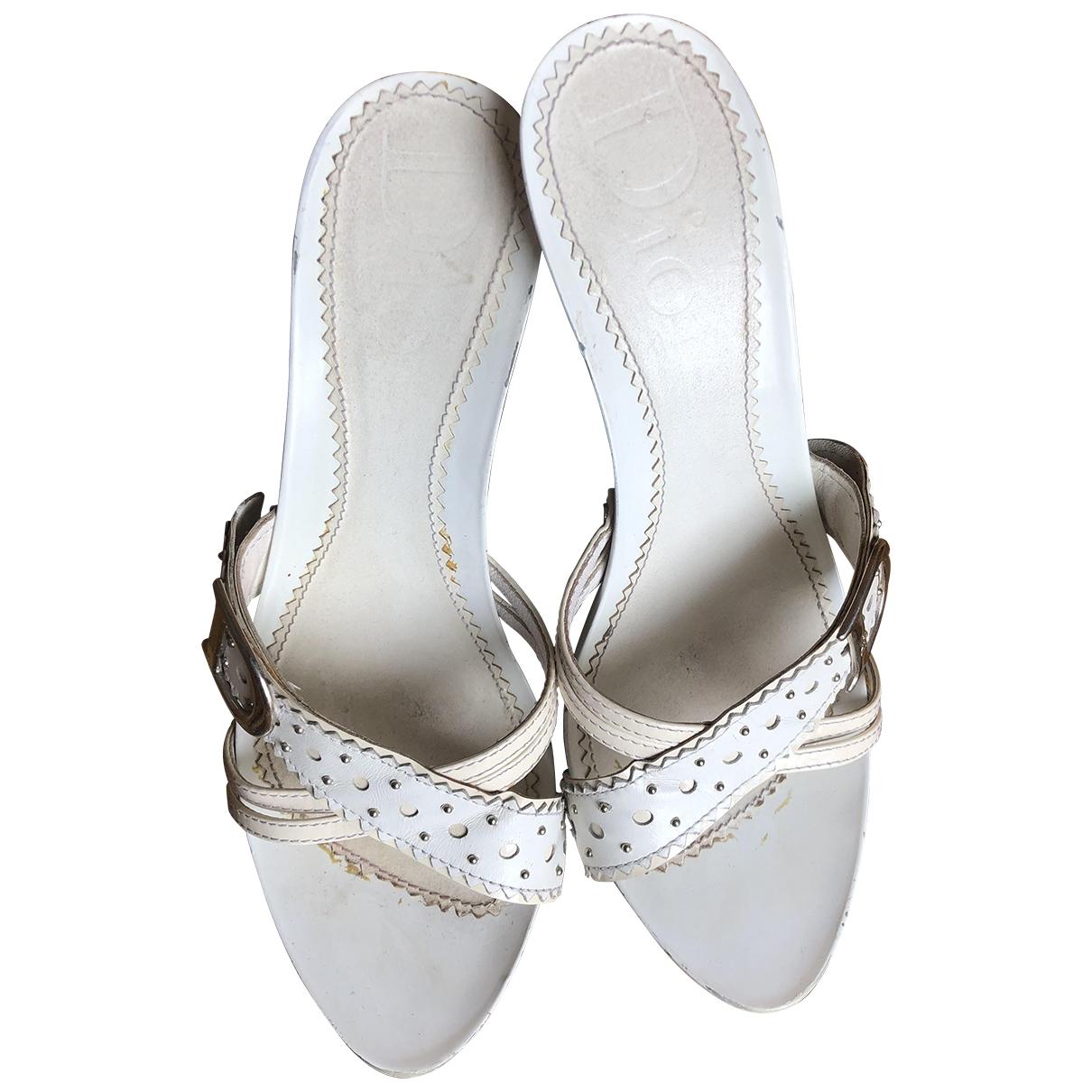Dior \N Sandalen in  Weiss Lackleder