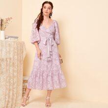 Kleid mit V Kragen, Laternenaermeln, Schosschen am Saum, Quasten, Selbstguertel und Applikation